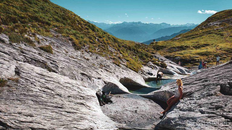 Hike Alp Mora | 20 ijskoude gletsjerbaden | Header