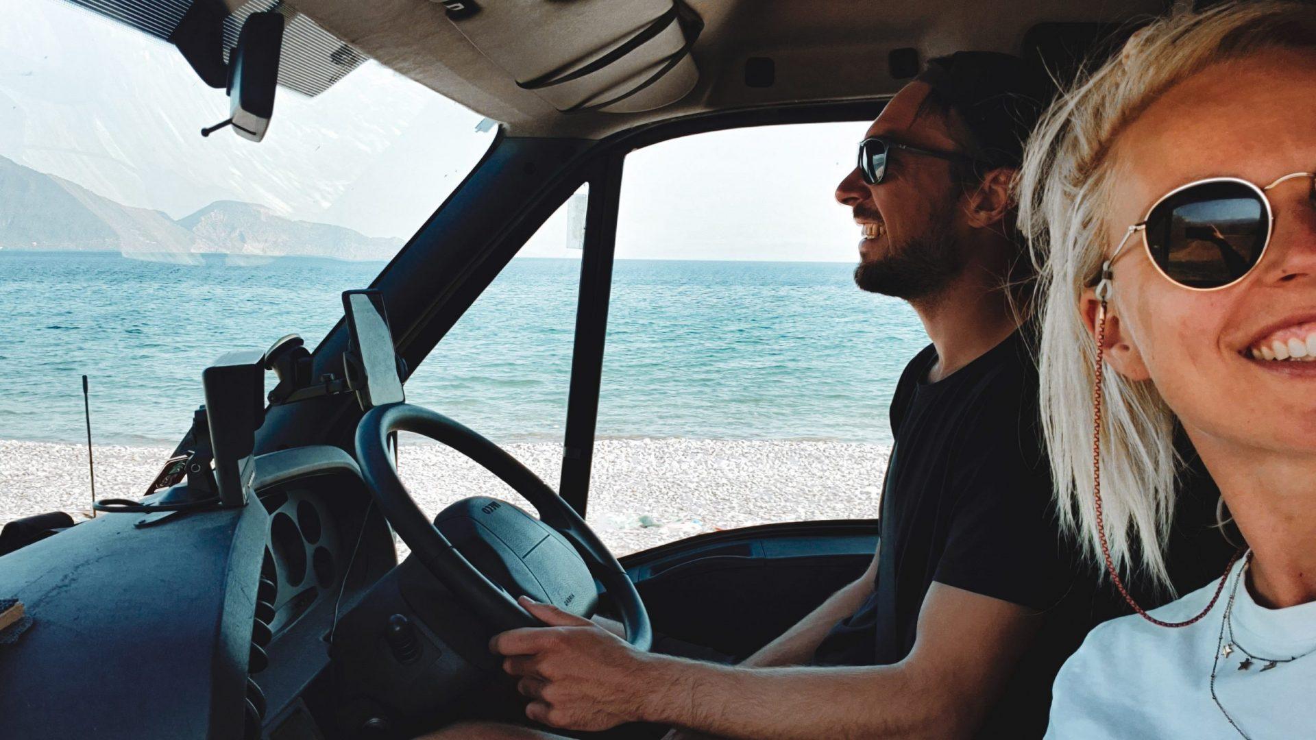 Roadtrip selfie | header Hero